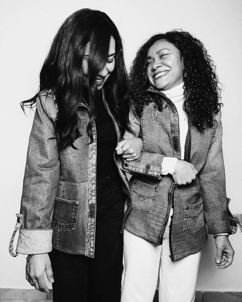 Foto de las hermanas Las Cárdenas en blanco y negro