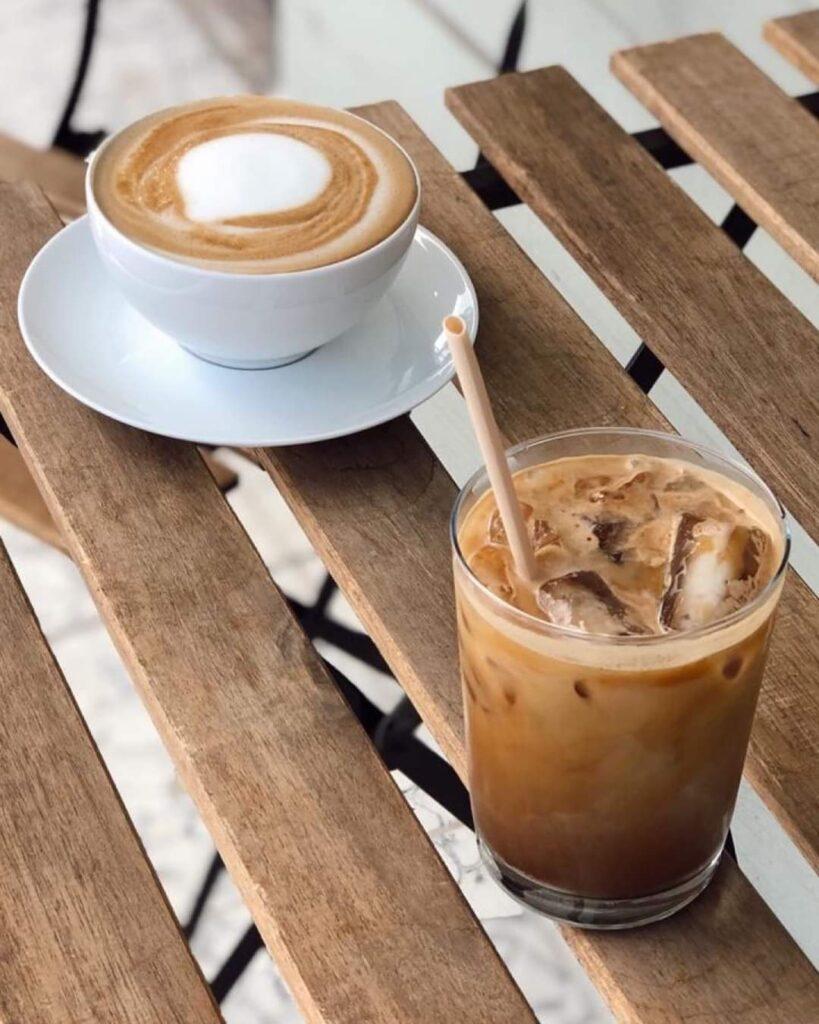 Café frío y caliente de café central