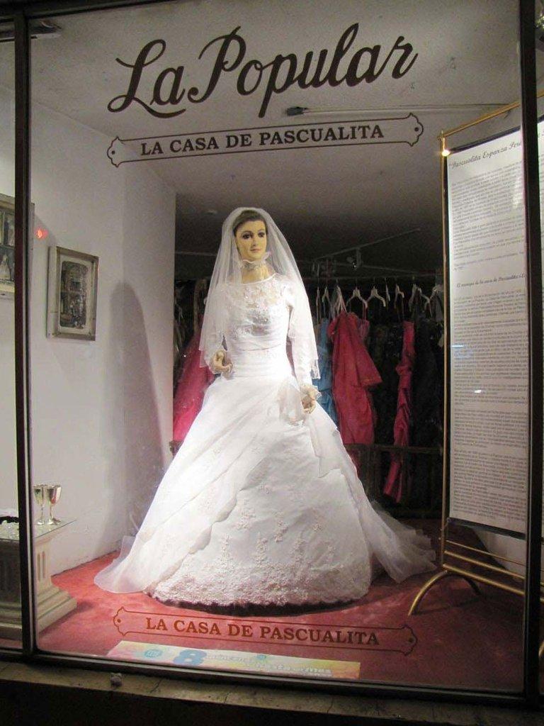 """Foto de maniquí """"Pascualita"""" en exposición"""