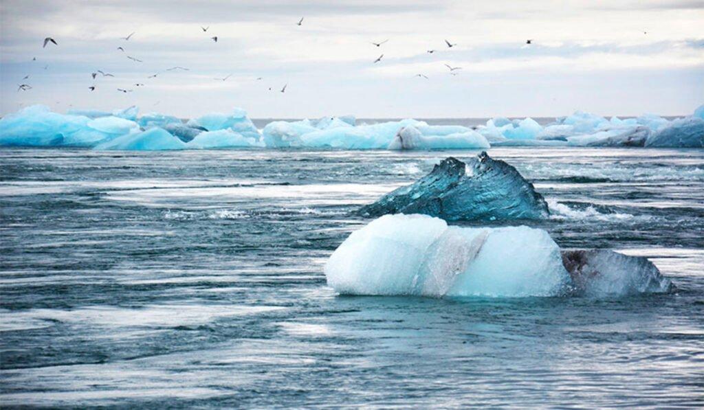 Glaciares derritiéndose por cambio climático