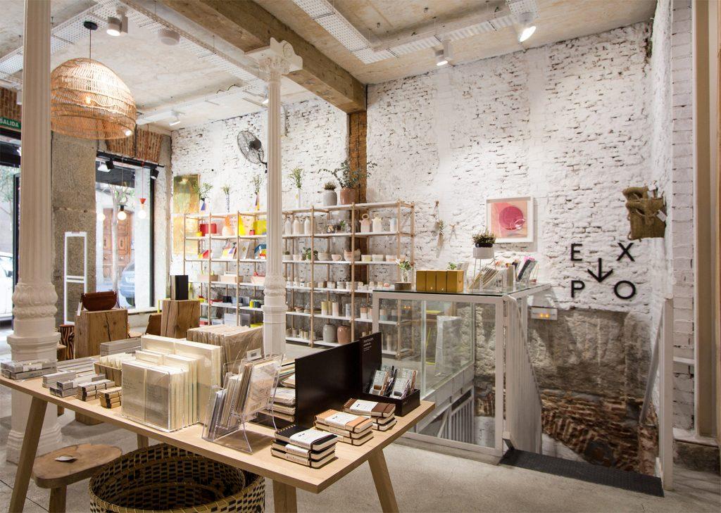 Ejemplo de Concept Stores. Tienda de macetas, adornos para casa, libretas