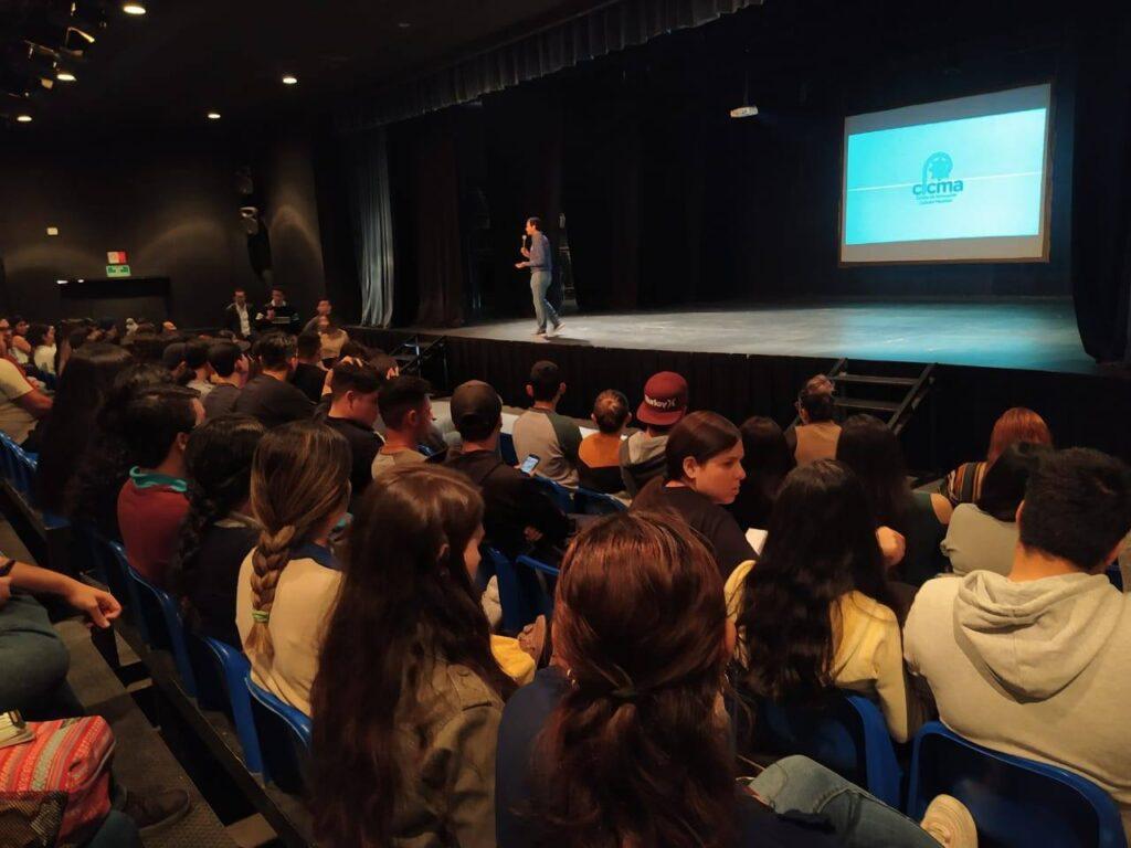Presentando proyecto de Centro de Innovación Cultural Mazatlán.