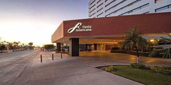 Fachada de hotel Fiesta Americana de Hermosillo, Sonora. Crecimiento de hotelería en Sonora.