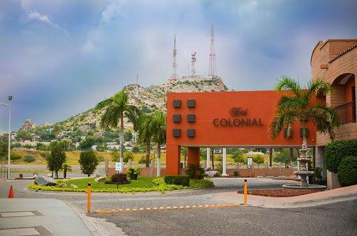 Fachada de Hotel Colonial.