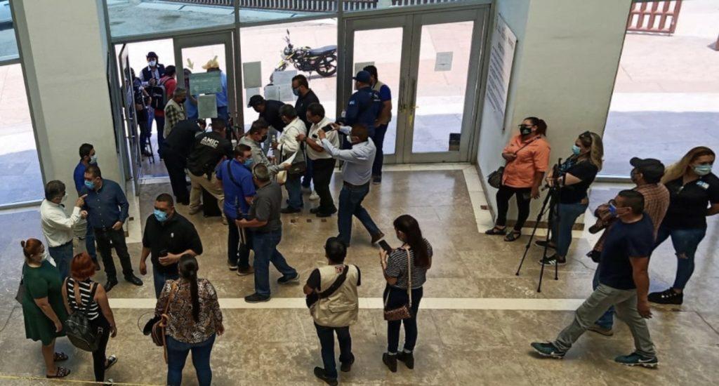 Periodistas de Sonora en la Fiscalía General de Justicia