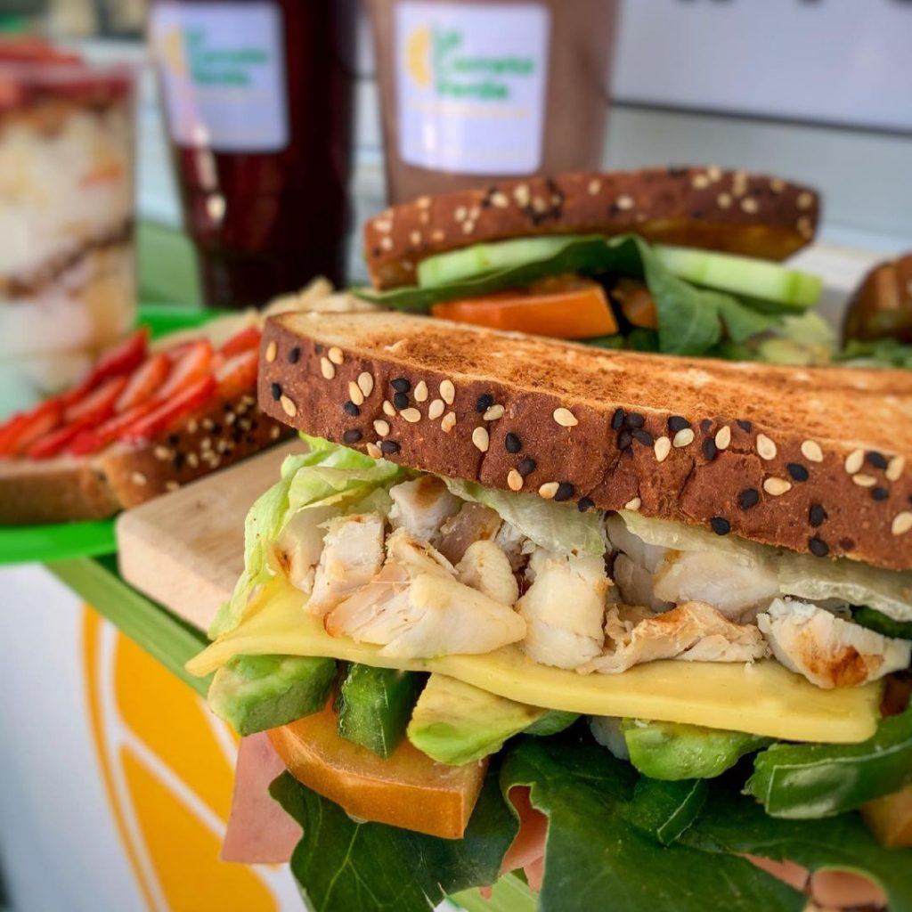 Sandwich de pollo de La Carreta Verde hmo