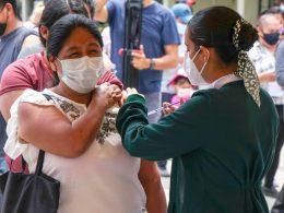 Vacunación a migrantes