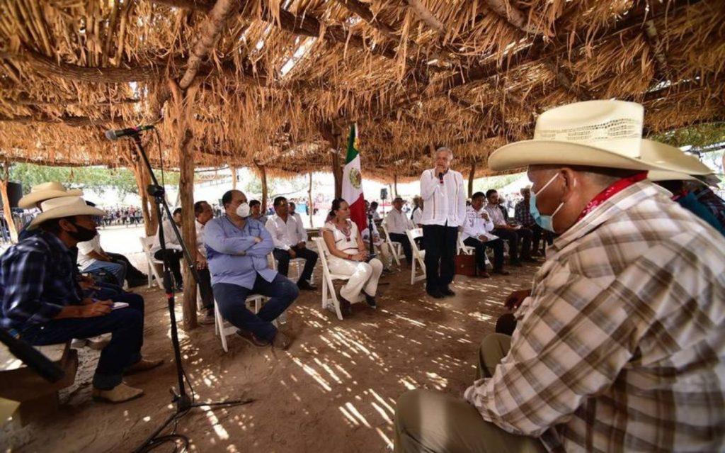AMLO con el pueblo yaqui
