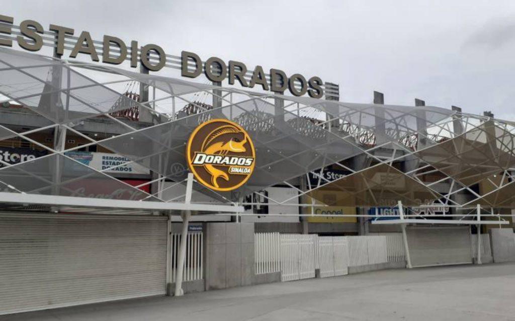 Frente del estadio Dorados