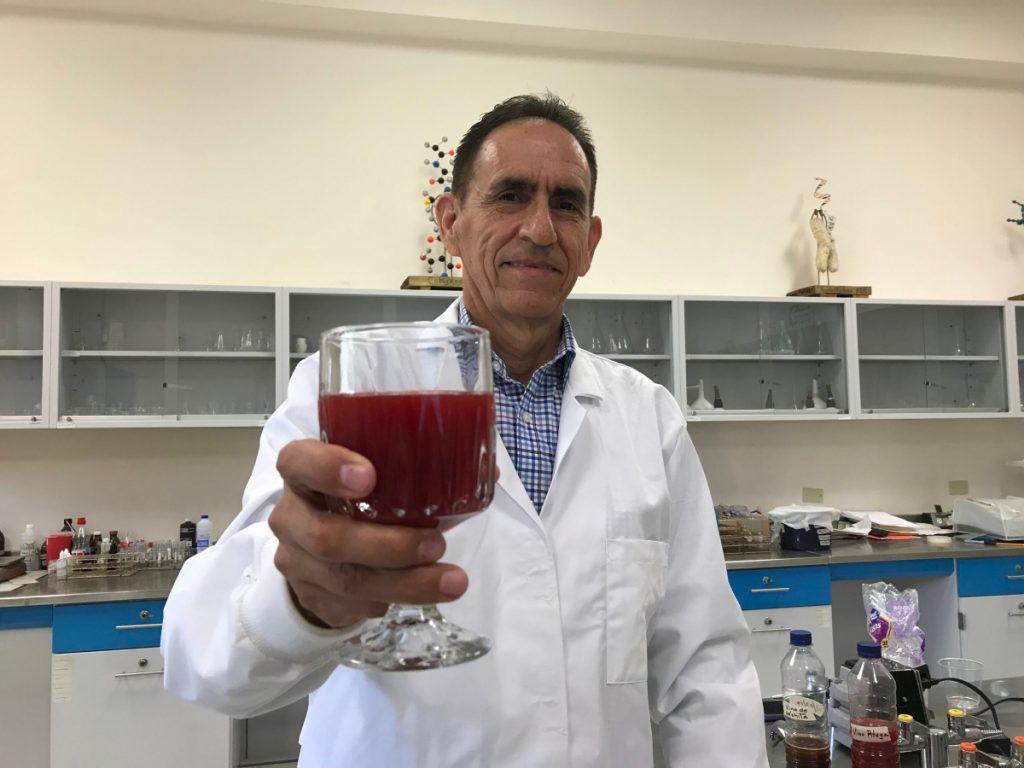 Antonio Romo: investigador del vino de pitaya