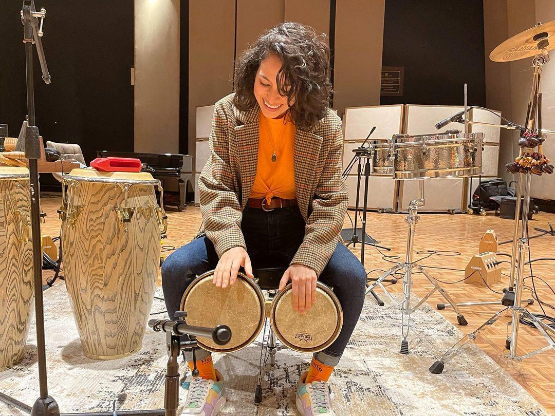 Marissa Mur en estudios de Sony Music.