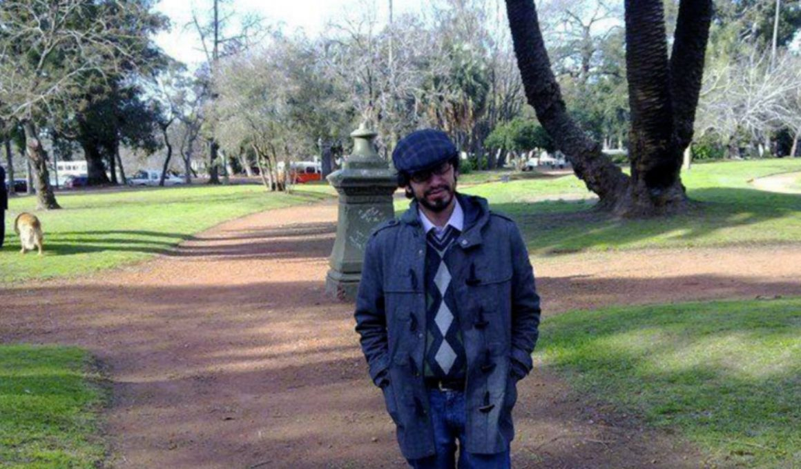 Manuel en un jardín